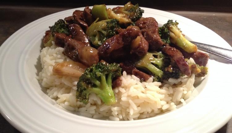 Asiatische Rindfleisch-Brokkoli-Pfanne
